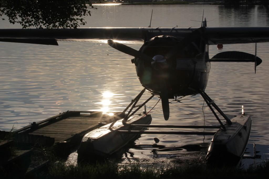 Kirk's Cessna 195 - Alaskafoto- Aircraft photography