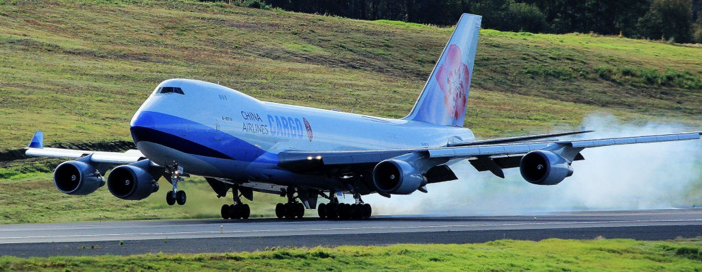 Beat Airplane Photographer | Alaskafoto | Alaska air cargo