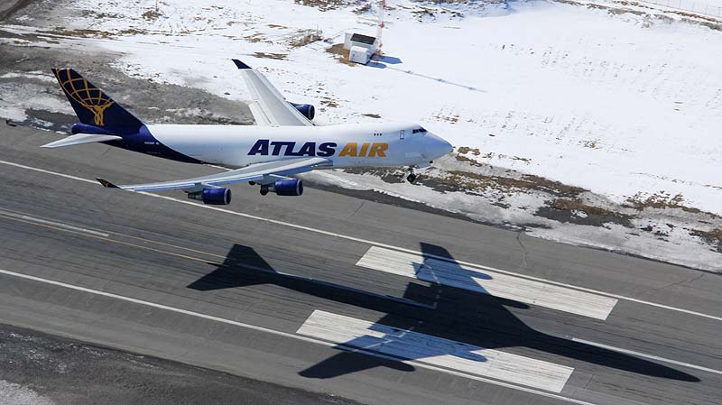 Atlas 747 taking off at PANC - Alaska Air Cargo & Aircraft portraits | Alaskafoto - Airplane photographer