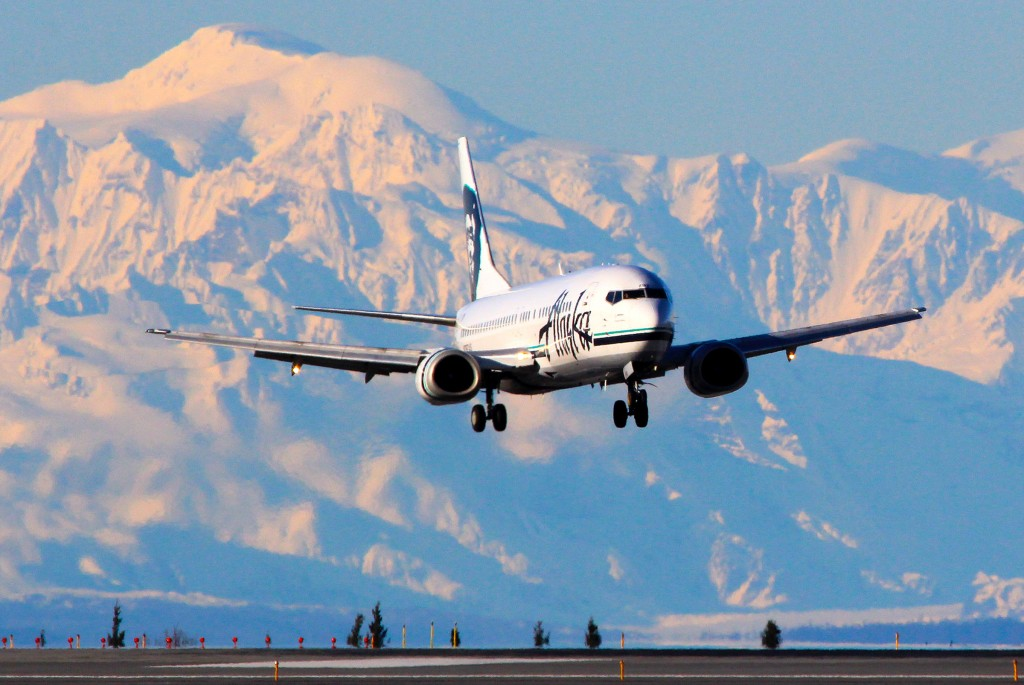 Alaska airlines Boeing 737  - Aircraft portraits | Alaskafoto - Airplane photographer & Alaska air cargo