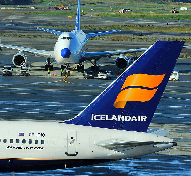 Iceland Air - Top Alaska photographer   Alaskafoto - Airplane photographers, Alaska Air Cargo