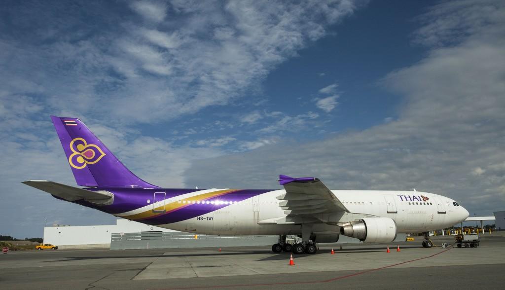 Thai Air passenger jet | Alaskafoto - Best Alaska aircraft photography & Alaska Air Cargo photography