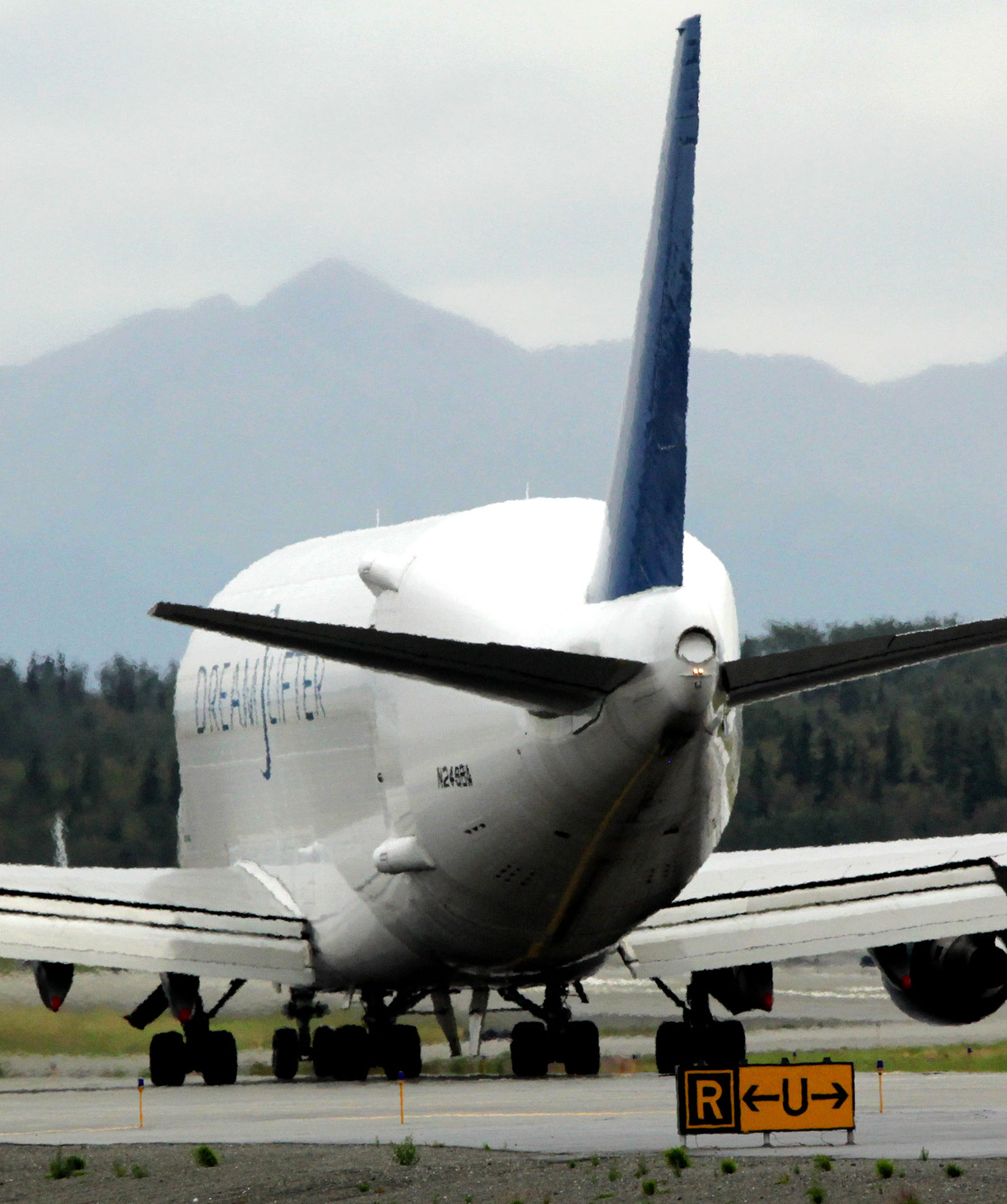Alaska Air Cargo photography - Alaskafoto | Alaska Aircraft portraits & Aircraft photography