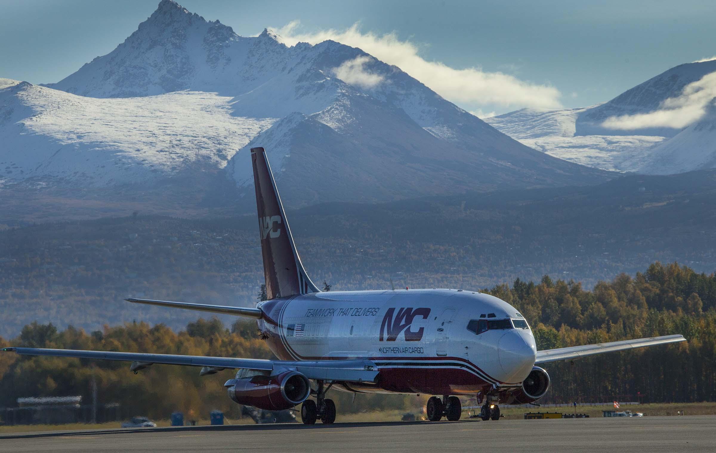 Jet taxing in Alaska | Alaskafoto - Best Alaska aircraft photography & Alaska Air Cargo photography