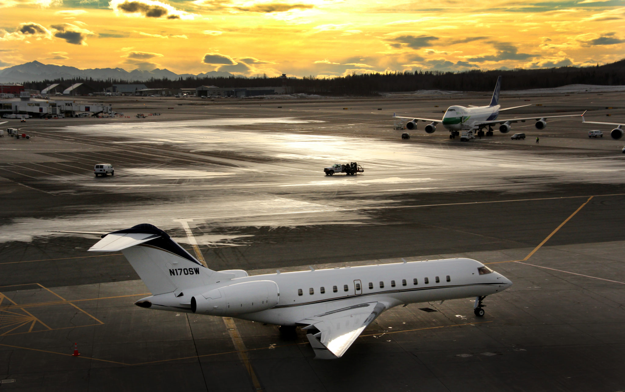 Sunset on an Executive Jet | Alaskafoto - Top Alaska aircraft photography & aircraft portraits